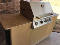 Gas grill with grantile counter  Lubbock
