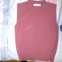Maroon/red ladies size small sleeveless top London, N6H 1M9