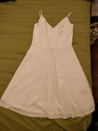 White sleeveless dress- size 4 Toronto, M5A