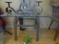 Glass side table 3730 km