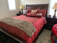 Queen Bed Set-barely used
