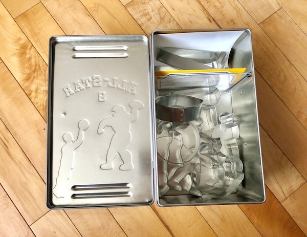 New Williams Sonoma Kids football 8-Cookie Cutter Set a84cf7b6-af57-40ea-aac1-52f590232e6b