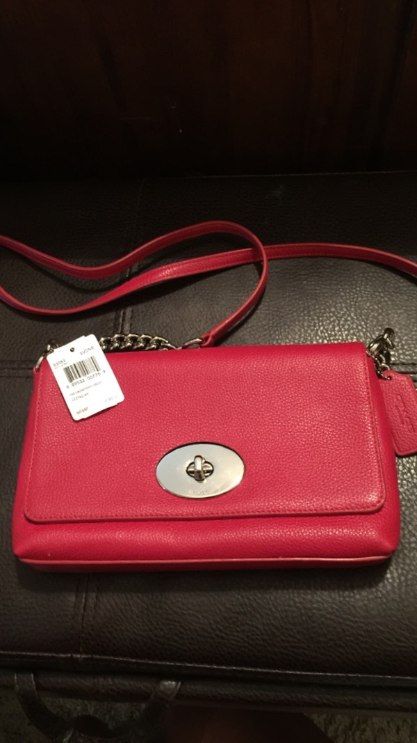 ba36c92e4999 Used Red leather crossbody bag for sale in Fort Worth - letgo