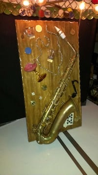 """Saxophone 40's & 50's   the   29  long & 16"""" wide Camillus, 13031"""