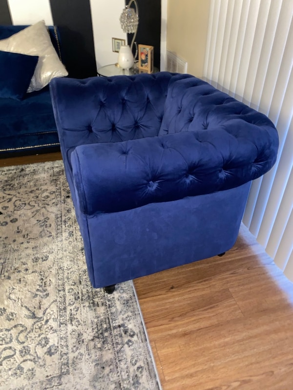 Furniture for sale--Royal Blue velvet chair ! 03bbb2ab-7d3d-4199-b095-ed408a9e4afd