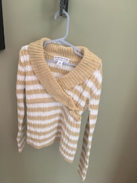 Girls size 7/8 Carmel and white sweater Centreville, 20120