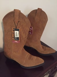 brown Ariat leather cowboy boots Gloucester City, 08030
