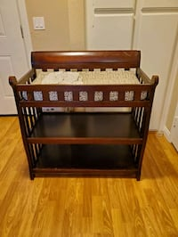 Baby changing table shelf with mattress  Victorville, 92392