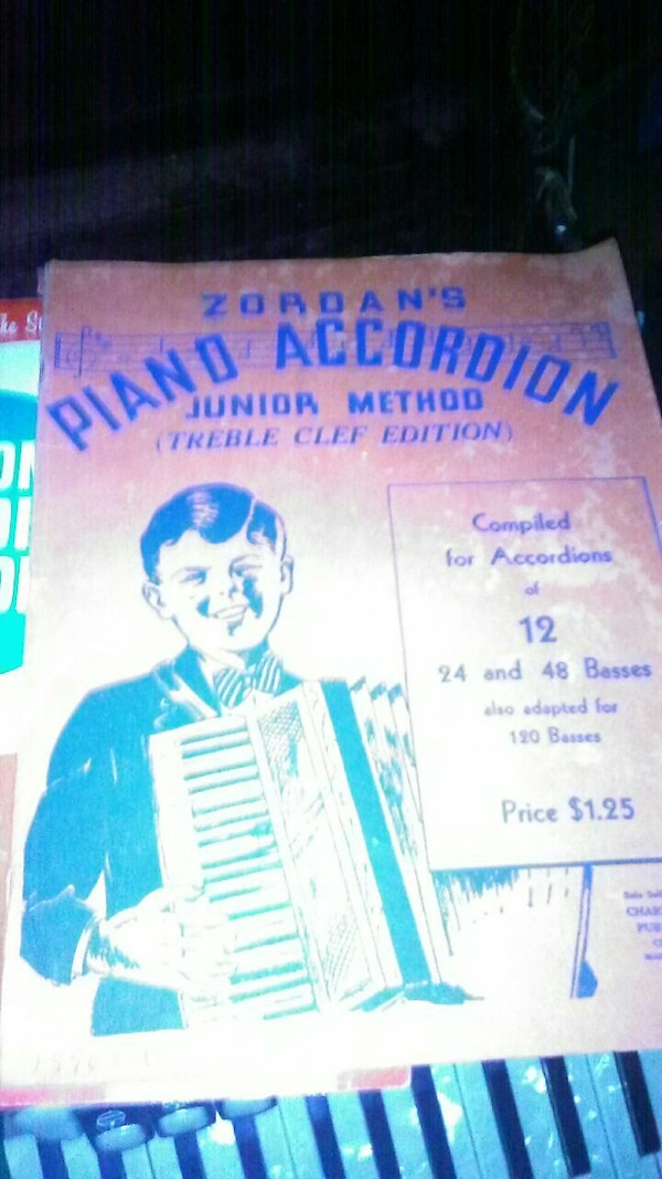 Used Zordan's Piano accordion book for sale in Marion - letgo