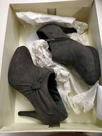 Naturalizer dark grey boots new in box