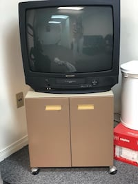 Black crt tv with remote Toronto, M1T 3R1