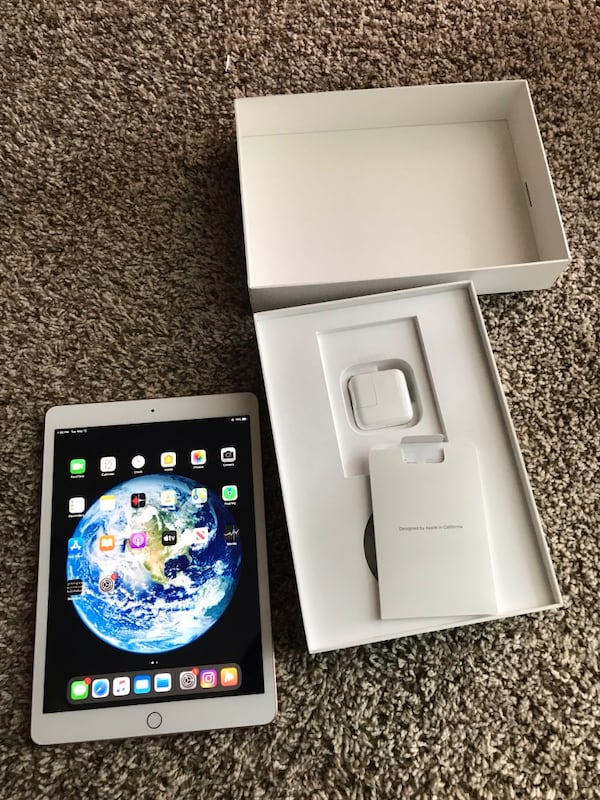 I pad 7th generation brand new 32gb cbe5c206-6be6-4a3b-849a-176141466f82