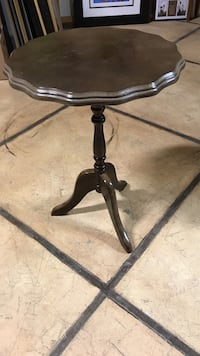 scalloped edge brown wooden pedestal table Toronto, M3N