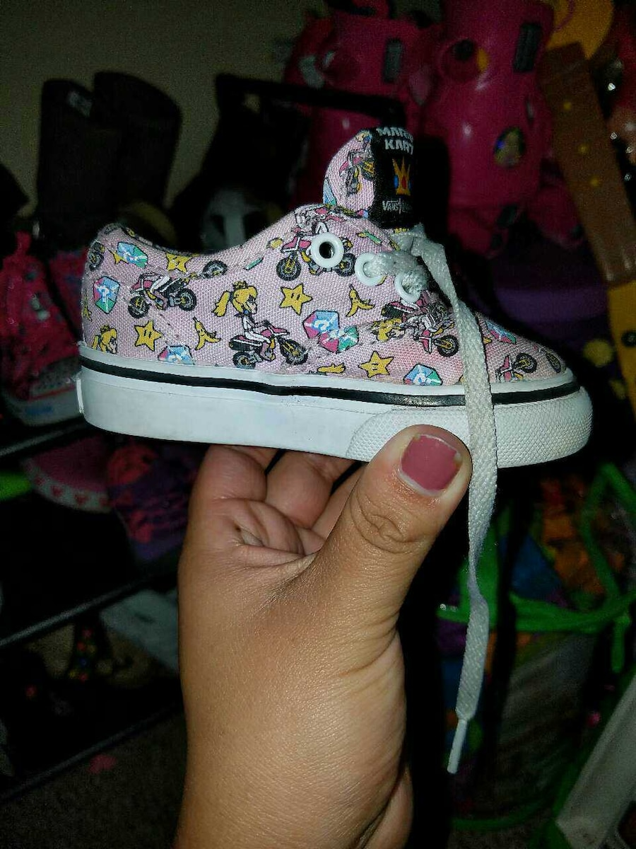 Used 4C Toddler Shoes in Auburn