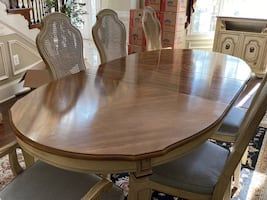 Vintage Stanley Dining Room Table & Buffet Set