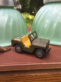 green army jeep diecast Saint-Sauveur