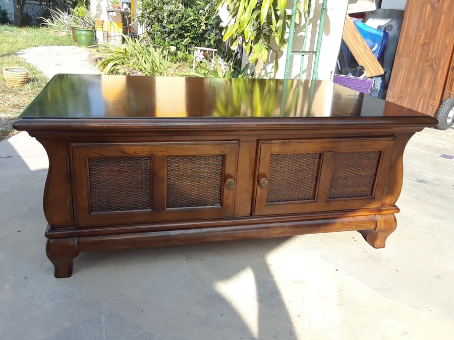Amazing Tommy Bahama Coffee Table With Storage Solid Very Heavy Great Shape  49 X 29u201c Hand Deliver