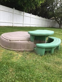 Little Tykes Picnic Table and Sand Box