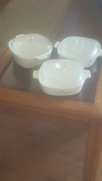 Set of 3 corningware quart dishes