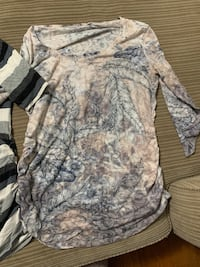 Large maternity shirts Brantford, N3T 0A4