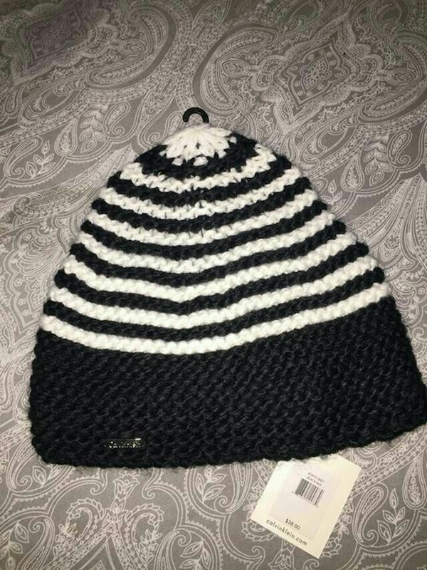 858ab69d31a Used Brand new Calvin Klein black white knitted beanie for sale in  Fairfield - letgo