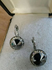 silver-colored and black gemstone earrings Hialeah, 33010