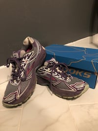 Running Shoes- Brooks Ghost 5 Annandale, 22003