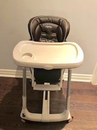 Baby's white and gray high chair Vaughan, L6A 4T9