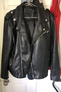 Black leather jacket Montréal, H1P 2Z2