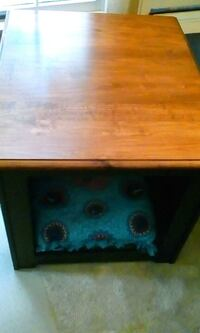 Pet/End Table Hummelstown, 17036