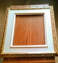 CLASSIC GOLD PICTURE FRAME with WHITE LINER Delta