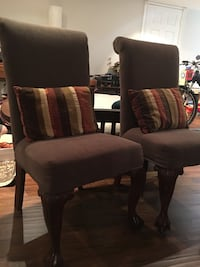 2 olive green accent chairs. Toronto, M2J 2S4