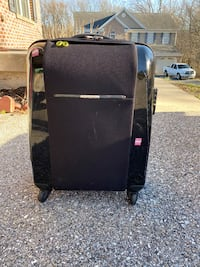 """Carry on suitcase(Very high quality and brand. Good condition, 20"""") Ellicott City, 21043"""