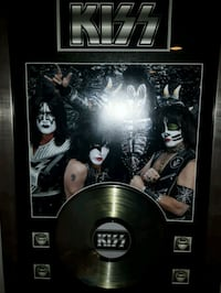 Kiss - picture with album Niagara Falls, L2J 1G5
