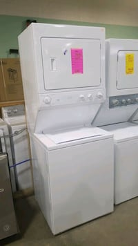 Ge natural gas laundry center 27x75! Hauppauge
