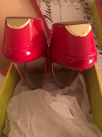 Red pumps 3 inches size 9