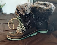 Justice Snow Boots size 8 Mount Airy, 21771