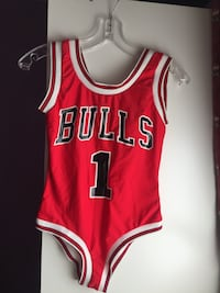 Camiseta Chicago Bulls 23 roja y blanca Madrid, 28014