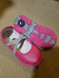 Pink and silver girls shoes riley roos sz 9.5 Howell