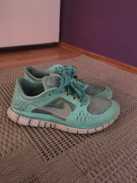 Nike running shoes size 39