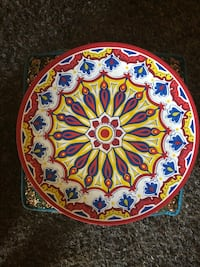 round white and multicolored floral ceramic plate Los Angeles, 90026