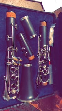 black and gray clarinet with case Delaplane, 20144