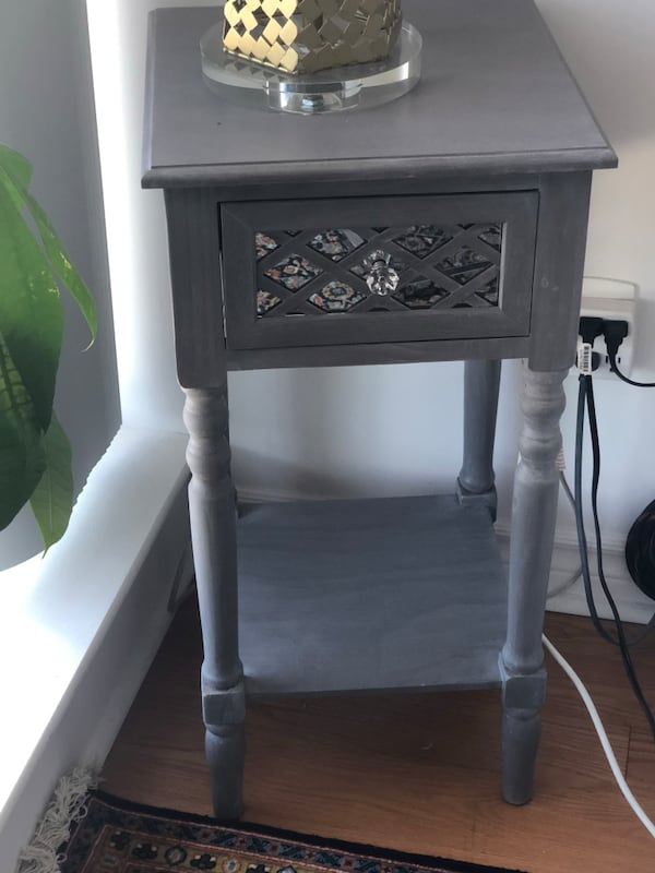 Move out sale - mirror side table 1fbfb164-caf3-486b-ad2d-fdb4cf3ae056
