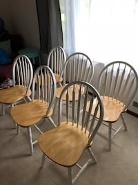 Six stained bottom white trimmed windsor chairs Aurora, 60502