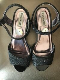 Girl's black glitter shoes size 5 San Marcos, 92069