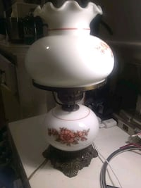 white and brown table lamp Alexandria, 22310