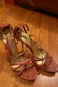 Red and gold strappy heels  7.5 Springdale, 20774