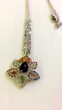 Gold-colored and green gemstone pendant necklace Pittsburgh, 15224