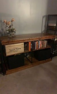 High quality Industrial stand Chelsea, 02150