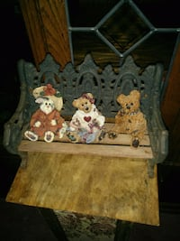 Set of 3 Boyd's Bears stand not included Abbotsford